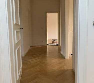 Sehr schöne 3-Zimmer Altbau-Wohnung im denkmalgeschütztem Haus!! Erstbezug nach Sanierung!!