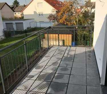 Erstbezug: attraktive 4-Zimmer-Wohnung mit EBK und Balkon in Heusenstamm