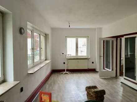 Geräumige, preiswerte und modernisierte 3-Zimmer-Wohnung in Auerbach/Vogtland