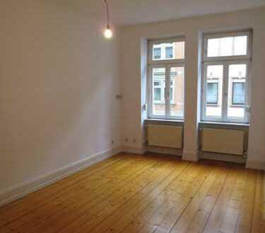 Altbauwohnung für ein Paar o. Single in Heidelberg-Weststadt