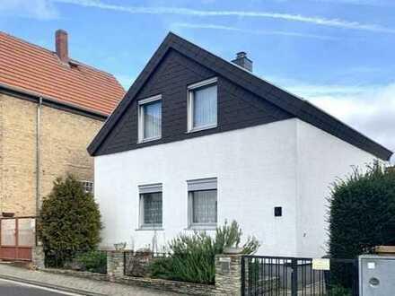 Tobias Grünert Immobilien # freistehendes, gemütliches Wohnhaus mit kleinem Innenhof
