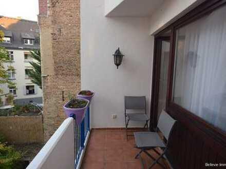 Helle & sehr gepflegte 3,5-Zimmer-Wohnung mit 2 Balkonen in zentraler Lage