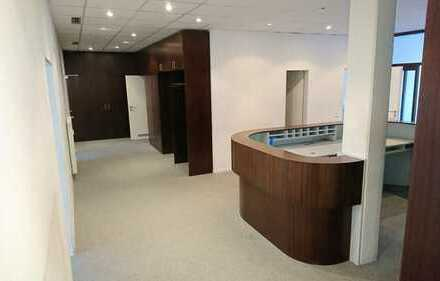 165 m² Praxis-/Bürofläche in Ärztehaus zu vermieten -Aufzug vorhanden