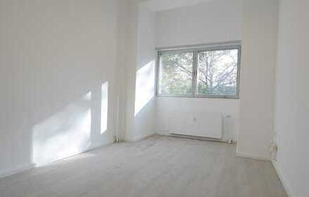 Renovierte 3 Raum Büro/Praxiseinheit am Bundesplatz - frei ab sofort