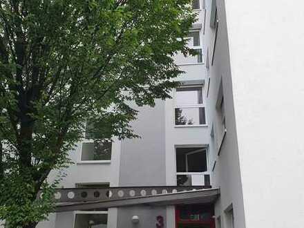 Sanierte 5-Zimmer-Wohnung mit Balkon und Einbauküche in Heidelberg