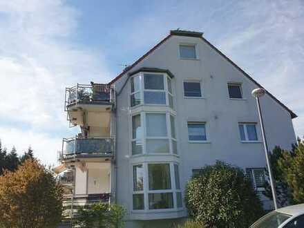 BIK: Wunderschöne 3-Zimmer-Wohnung mit Balkon! Dönberg!