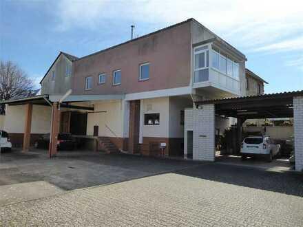 Wohnhaus mit Gewerbe-/Lagerfläche