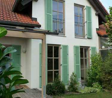 Familienfreundliche DHH mit Garten und Terrasse