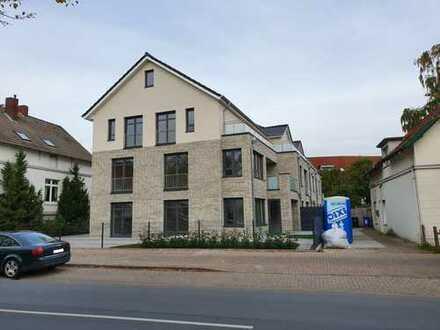 *Neubau* Schicke Erdgeschoss-Wohnung mit Tiefgaragenplatz