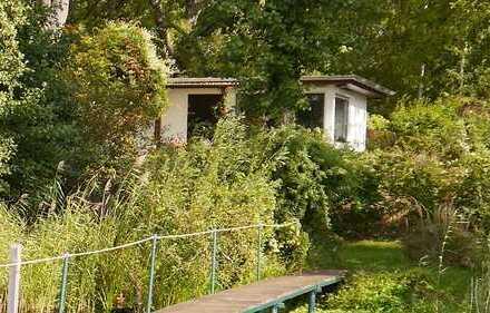 Wochenendhaus mit Garten und Steg am Ufer des Glindower Sees