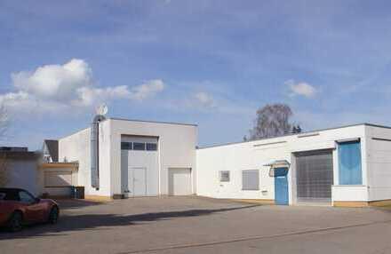 Trossingen: Arbeiten und Wohnen: Gewerbehalle mit Bungalow +Großgarage