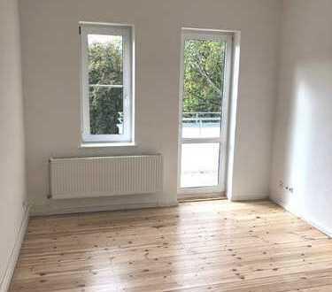 Erstbezug nach Sanierung- Moderne 2-Zimmer Wohnung am Südpark in Spandau