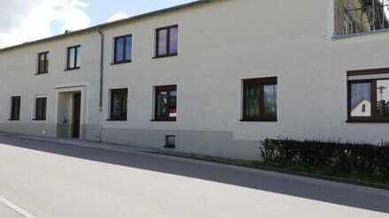 Erstbezug nach Sanierung: attraktive 2-Zimmer-Erdgeschosswohnung mit Zugang zum Innenhof