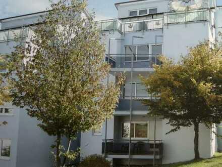 gepflegte 2-Zimmer-Wohnung mit Balkon und EBK in Laichingen
