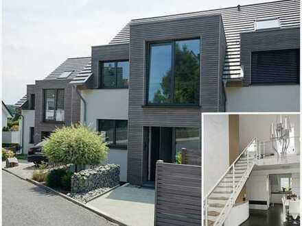 Alternative zum Haus: Galerie-Wohnung mit Blick auf das Ruhrtal!