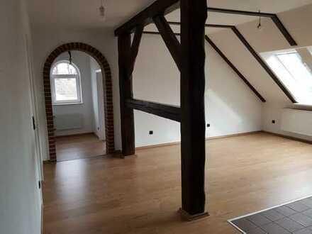 Erstbezug nach Sanierung mit Einbauküche: schöne 3-Zimmer-DG-Wohnung in Ganderkesee
