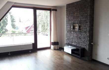 ruhige Lage !!RENOVIERTE 3 Zimmer Maisonette Wohnung -EBK, Keller, Stellplatz, Kamin u.gr. Balkon