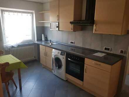 Stilvolle, geräumige und modernisierte 1-Zimmer-EG-Wohnung mit Einbauküche in Karlsruhe