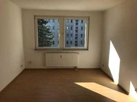 Großzügige Dreiraumwohnung mit Tageslichtbadezimmer
