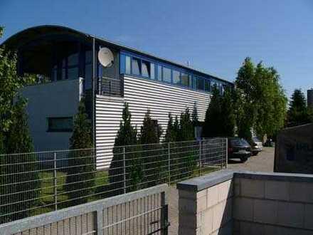 Alsdorf - 108 m² Halle u.101 m² Büro auch Teilanmietung