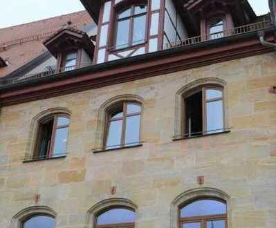 Als Büro oder Wohnung nutzbar: Gesamte Etage im Fachwerkhaus / Altdorf bei Nürnberg
