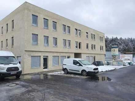 Nur noch eine Einheit frei für Büro/Praxis: im Naabtalpark, Gewerbe-Neubau mit Lift und Parkplätzen!
