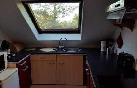 2 WG Zimmer in Dachgeschosswohnung an Wochenendpendler zu vermieten