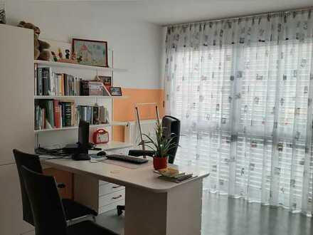 Helle Praxis-/Büroräume in Schwetzingen Stadtmitte mit 3 Parkplätzen