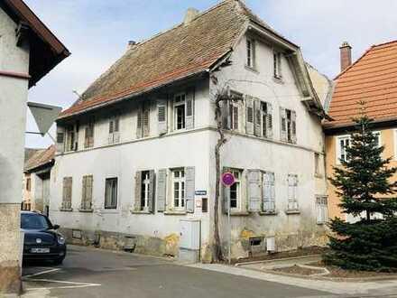 Sanierungsbedürftiges Anwesen aus dem Jahre 1779!