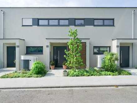 Maisonette Wohnung im Doppelhausstil mit großem Garten