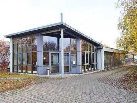 Lukratives Bürogebäude mit viel Potential