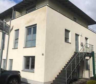 Extravagante 4 Zimmer-Maisonette-WG mit Terrasse u. Balkon in ruhiger Lage von Wuppertal