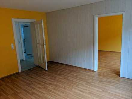 Zentral in KA-Mühlburg, gut geschnittene 3 Zi. Wohnung mit kleinem Balkon