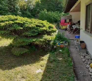 Geräumige und sanierte 3-Zimmer-Wohnung mit Terrasse und Einbauküche in Altertheim