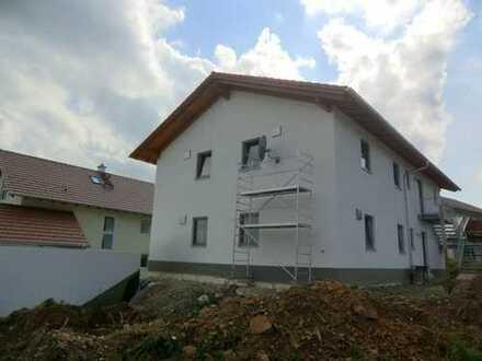 Schöne vier Zimmer Wohnung in Altötting (Kreis), Kirchweidach