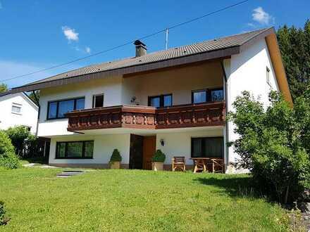 Gepflegtes Einfamilienhaus mit Balkon, Terrasse und EBK in Frittlingen
