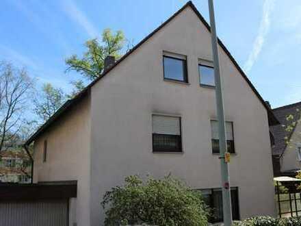 Schönes, geräumiges Haus mit sieben Zimmern in Nürnberg, Mühlhof