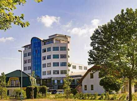 Beratungsfläche im Erdgeschoss eines gut besuchten Bürohauses in Dessau K11