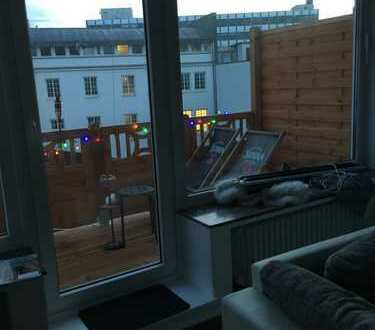 Vollständig renovierte 4-Zimmer-Maisonette-Wohnung mit Balkon und Einbauküche in Bremen