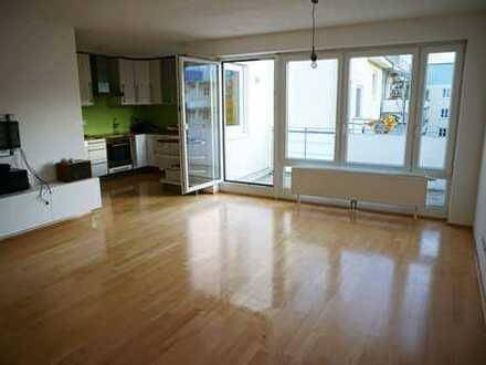 4-Zimmer-Wohnung mit Balkon und EBK in Milbertshofen, München