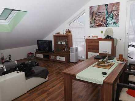 Kuschelige 2 Zimmerwohnung im Dachgeschoss