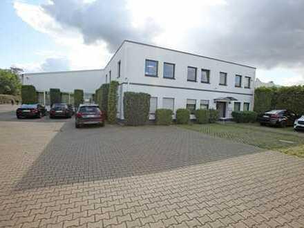 Freistehende Fertigungs- und Lagerhalle mit angeschlossenem Bürogebäude auf Erbpacht-Grundstück