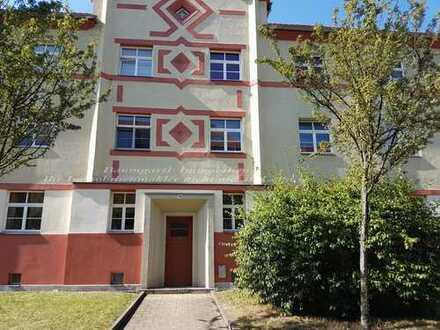 2 Zimmerwohnung in ruhiger Lage im Erdgeschoss mit Balkon und Wohnküche