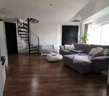 3-Zimmer-Maisonette-Wohnung mit Balkon und EBK in Gütersloh