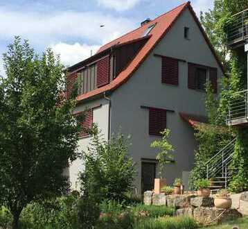 Schmuckstück im Grünen: Top-renoviertes EFH über dem Stadtpark von Neustadt