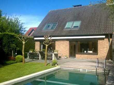 Haus mit Traumgrundstück und Swimmingpool in bester Lage inkl. Baugrundstück