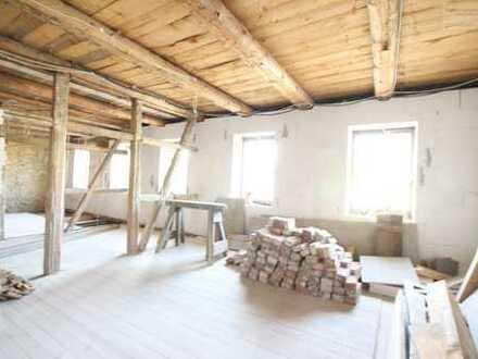 Ihre neues Heim mit Garten - sanierungsbedürftiges Haus mit viel Platz!