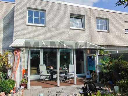 Charmantes 4-Zi.-RMH mit Whirlpool, Terrassen, Garten und Gestaltungspotenzial - Erbpacht