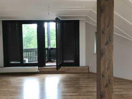 Schicke Dachgeschosswohnung in Elsenfeld