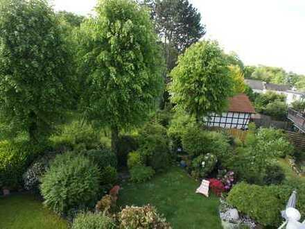 Mit Blick ins Grüne - helle 3-Zimmer Maisonette-Wohnung mit großer Terrasse